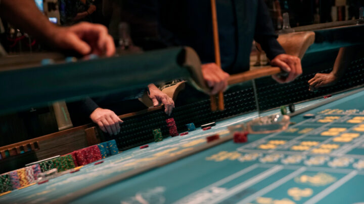 How to Play Craps Online – Basic Tips For Winning at Craps