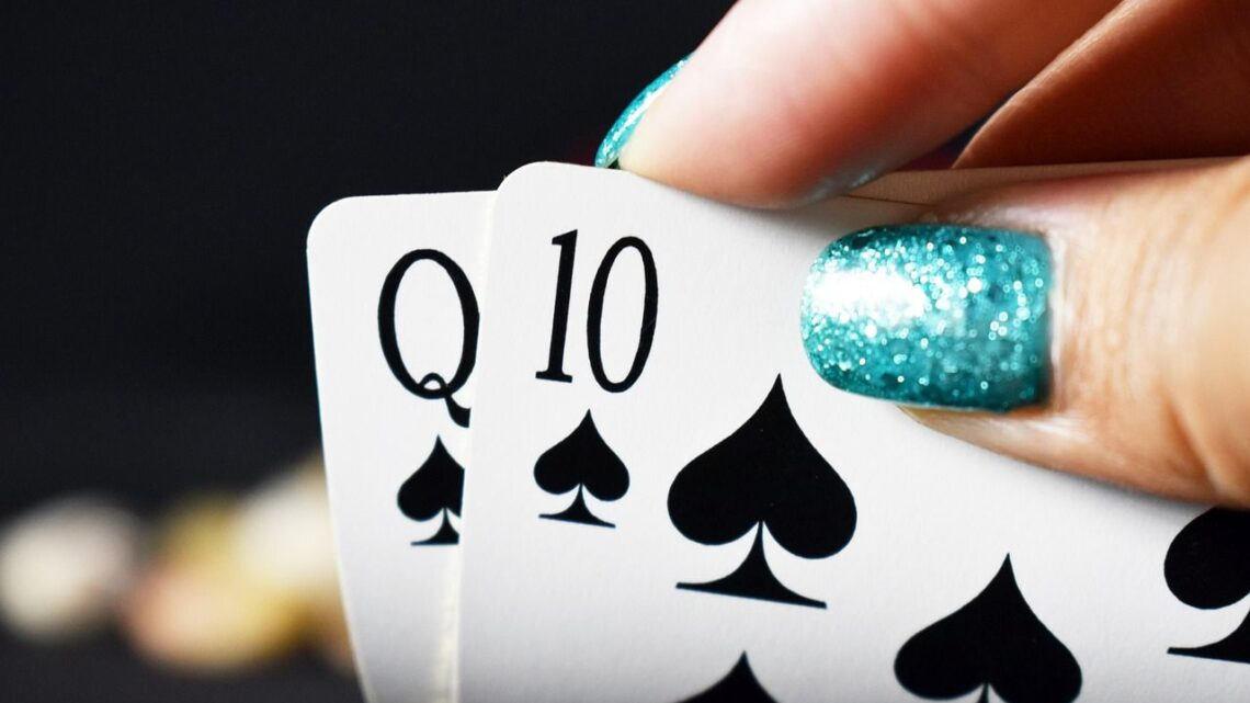 Learn How to Make Money Playing Poker Online